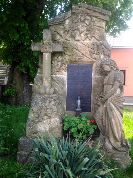 oprava sochy pred-kamenictvi-slavkov-brno-vyskov
