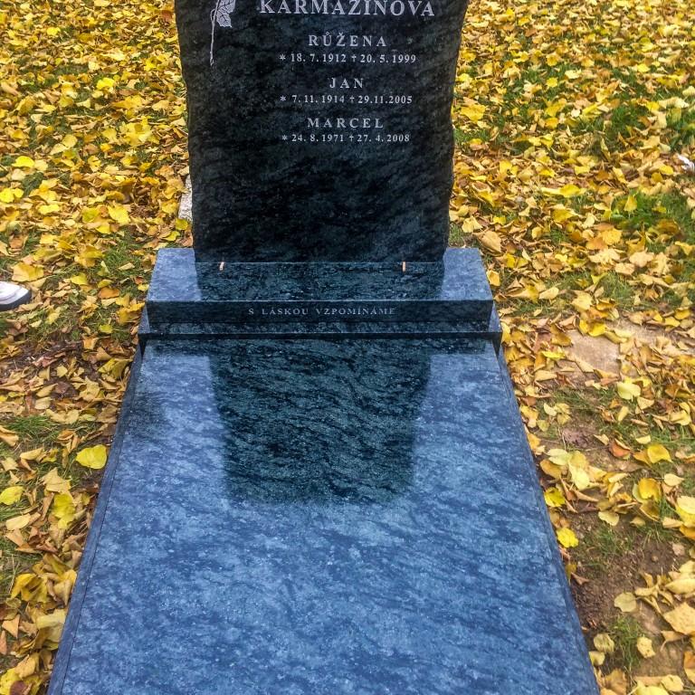 Urnový pomník 3