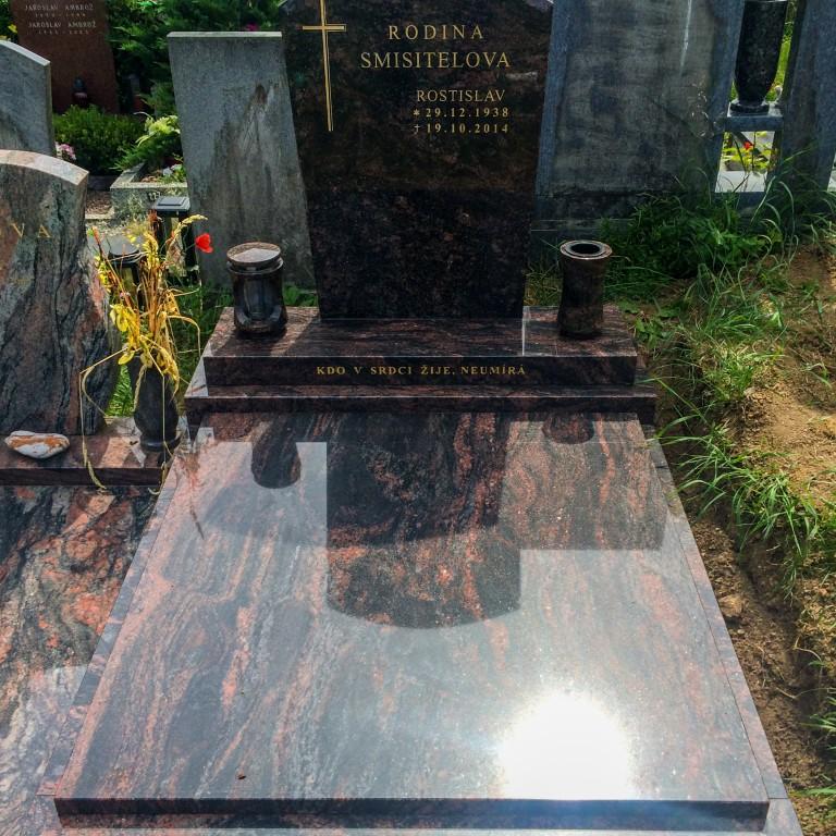 Urnový pomník 5